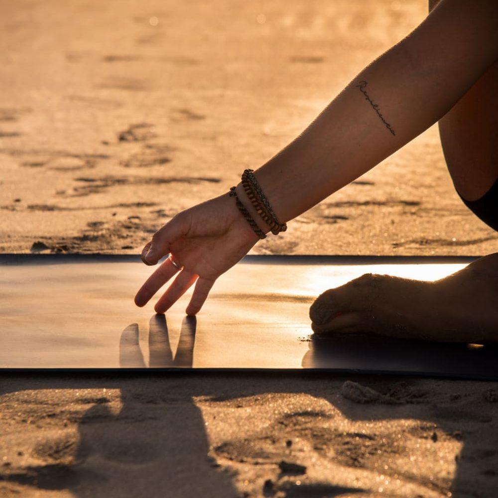 Yoga - Anita - Cable Beach-128